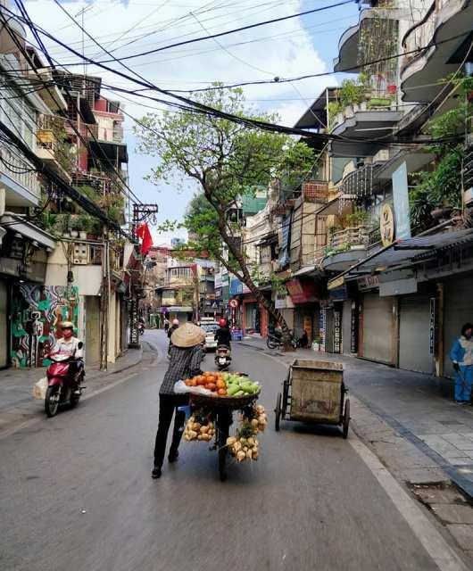 le strade del quartiere vecchio di hanoi