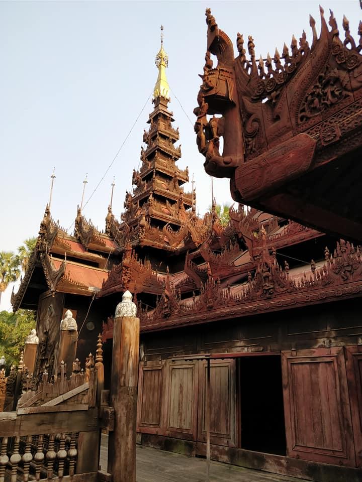 Shwe in Bein, pagoda completamente costruita in legno a Mandalay