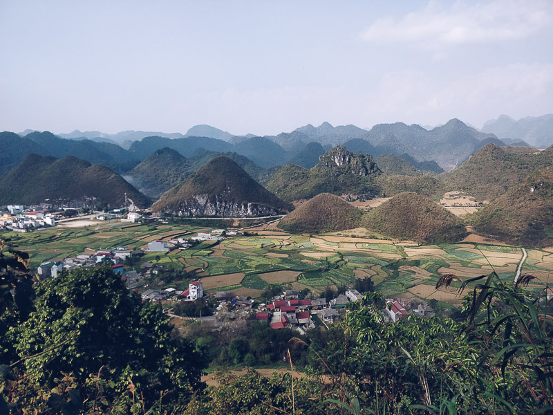 Le colline gemelle (Nui Doi) lungo il loop di Ha Giang
