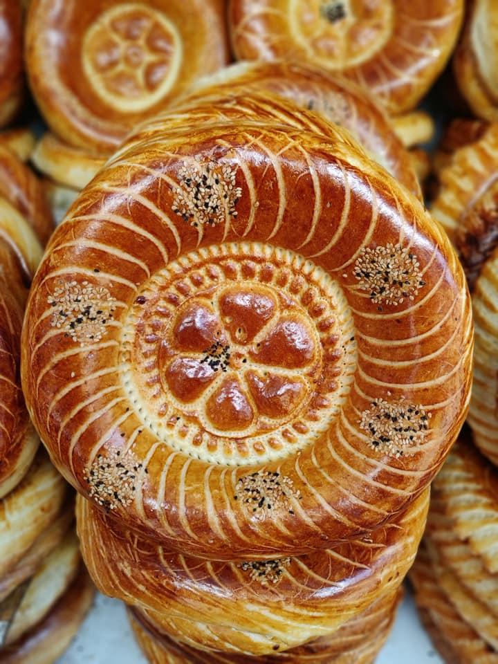 Pane tipico kirghiso all'osh bazaar di Bishkek