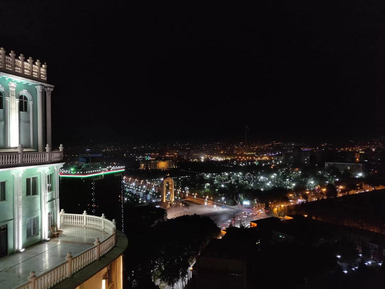 La città vista dall'alto delle torri della Dushanbe Plaza