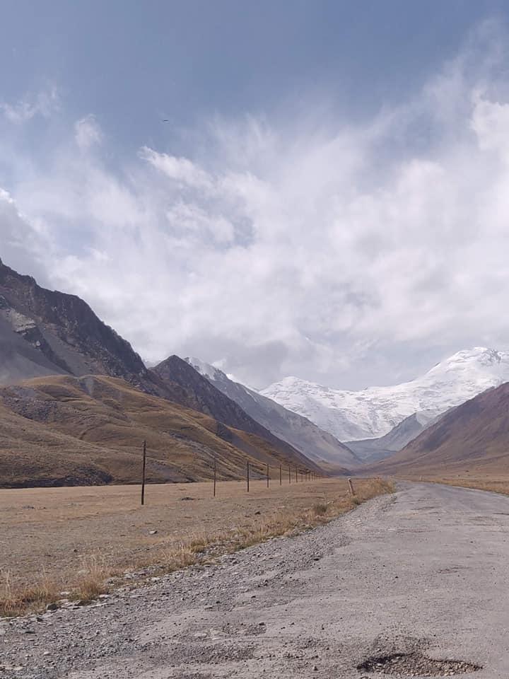 Le prime montagne del Pamir, ancora in terra Kirghisa