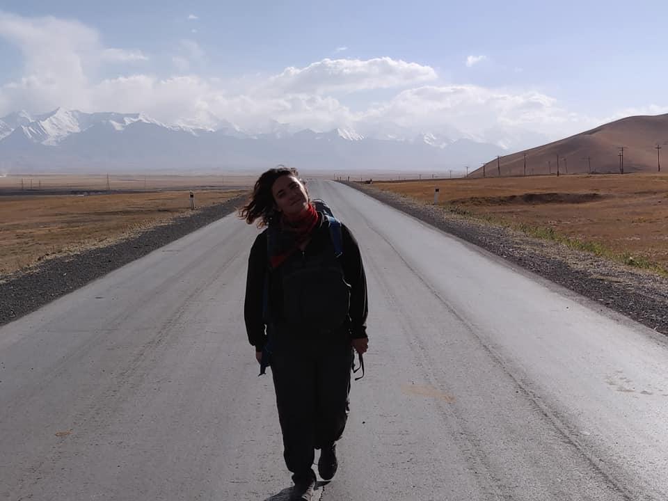 Verso Sary Tash (le prime due ore di autostop non sono state fruttuose)