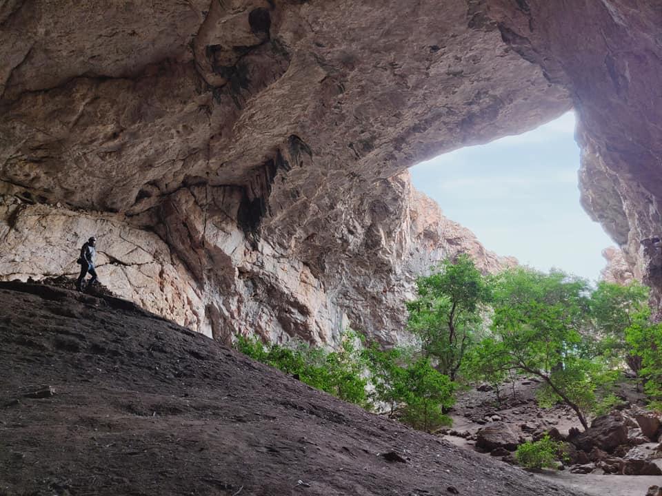La grotta Akmechet, con la sua piccola foresta sotterranea nei dintorni di Shymkent