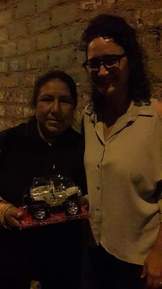 Alle consegna regalini a Lomas, uno dei quartieri più poveri di Lima