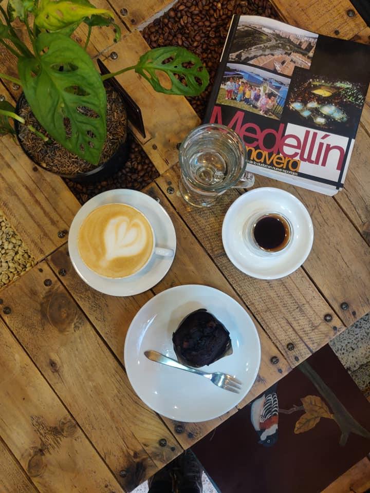 Un caffè a Laureles, quartiere medio-alto di Medellin che offre tantissime possibilità di svago