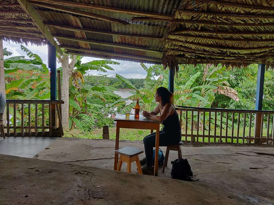 Bar a Yurimaguas in Perù sulla riva del fiume Maranon