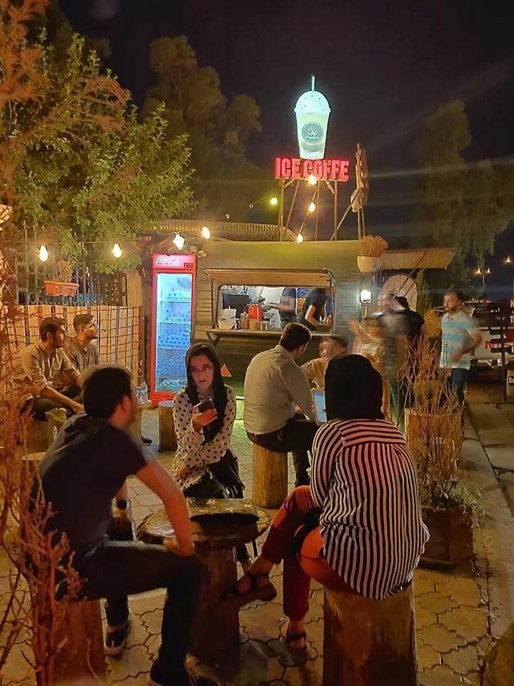 Hipster nightlife al parco Sami Abdulrahman ad Erbil