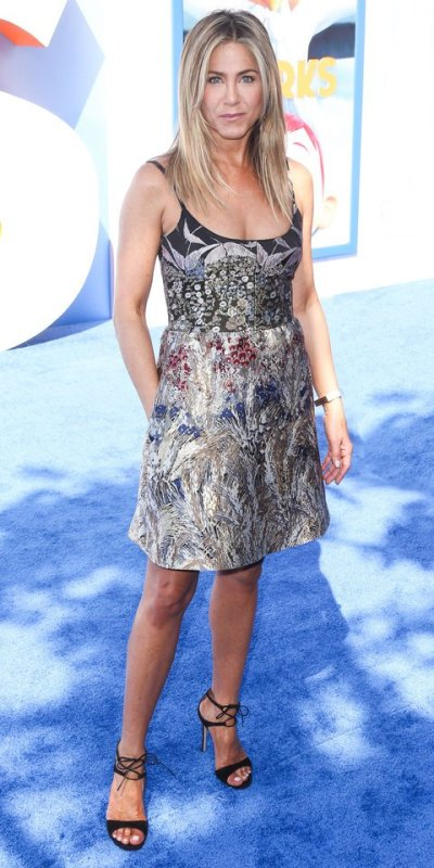 Jennifer Aniston arrives for the Premiere Of Warner Bros. Pictures' 'Storks' held at Regency Village Theatre on September 17, 2016 in Westwood, California. Pictured: Jennifer Aniston Ref: SPL1357180 170916 Picture by: Xavier Collin/Image Press/Splash Splash News and Pictures Los Angeles: 310-821-2666 New York: 212-619-2666 London: 870-934-2666 photodesk@splashnews.com