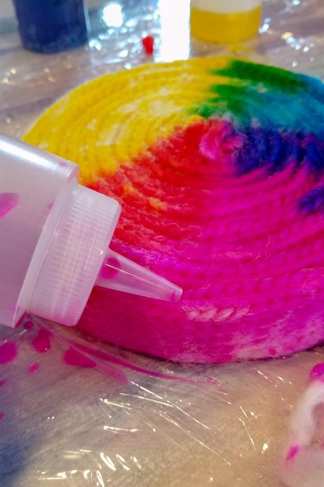 Kinky Yarn Pinwheel Dye