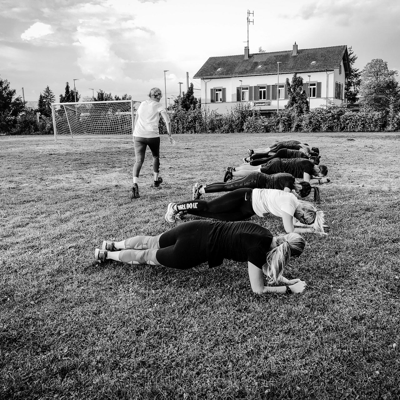 Malou form and tone body toning Outdoor Training Mittag Lunch Niederbipp