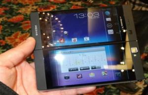 smartphone NEC avec 2 écrans