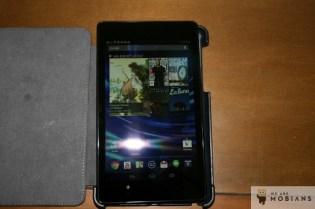 La nouvelle tablette Nexus 7 est plus fine et ne tient pas dans l'étui de la génération précédente