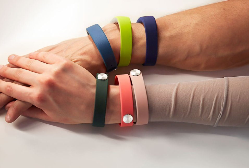SWR110-smartband-wrist-strap-gallery-03-1240x840-e48f375b4c78009cd2ab8c57ff3cd00c