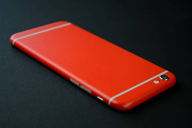 EasySkinz_iphone_6_Red_mat1