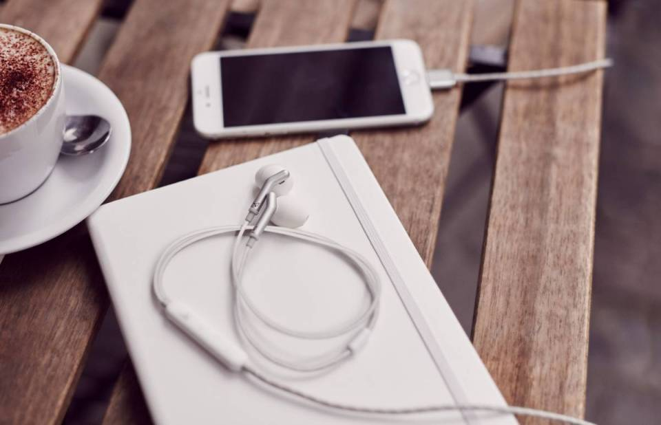 libra_headphone_iphone