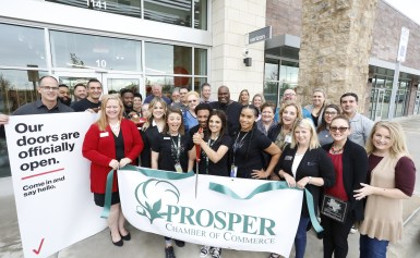 Verizon of Prosper Celebrates Ribbon Cutting with Chamber of Commerce