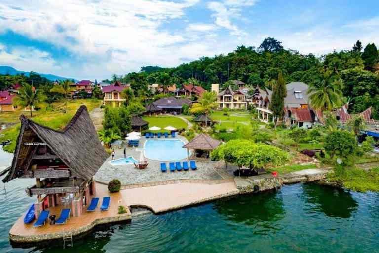 Lake Toba Hotels