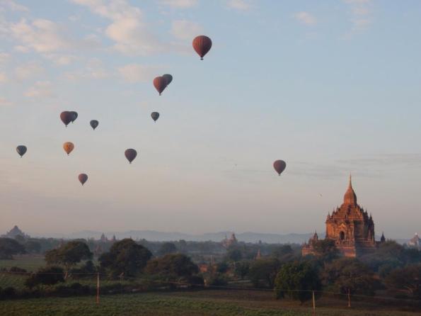 Luchtballonnen in Bagan, Myanmar