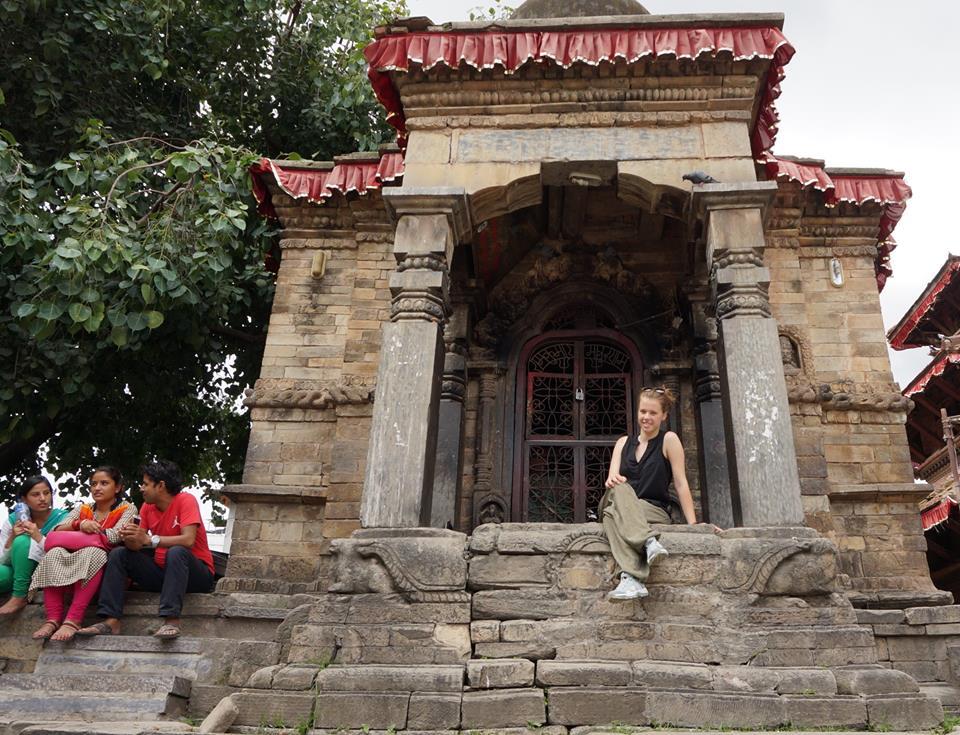 Yalou voor een tempel in Durbar Square, Kathmandu, Nepal
