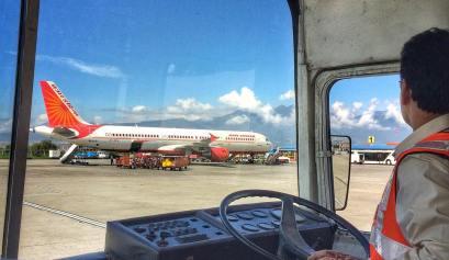 vliegtuig op vliegveld Kathmandu, Nepal