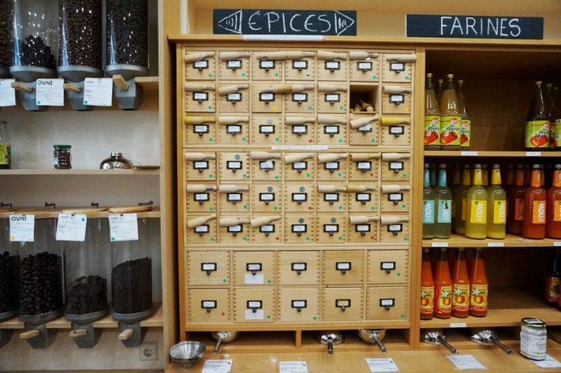 Een foto van de verpakkingsvrije winkel Ouni in Luxemburg City.