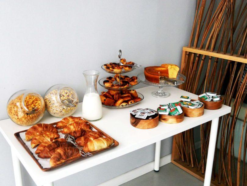 Het ontbijt bij Gallery Hostel