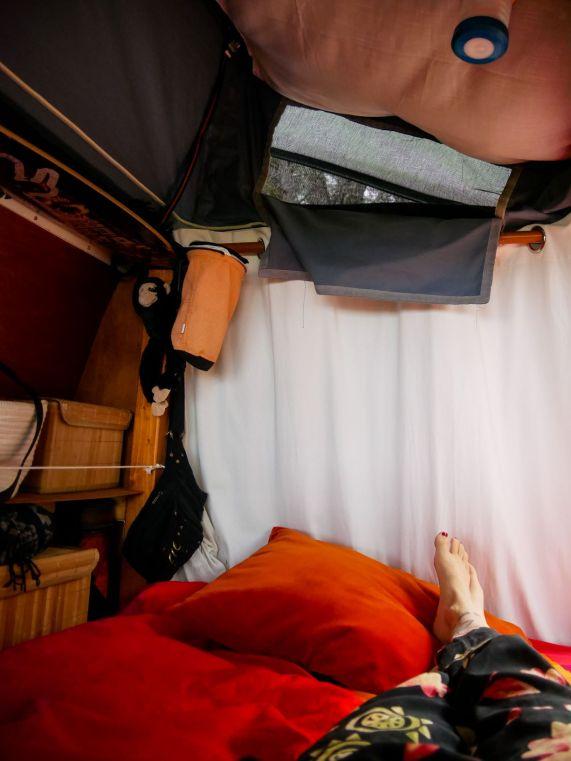 De binnenkant van Jumpy de camper.