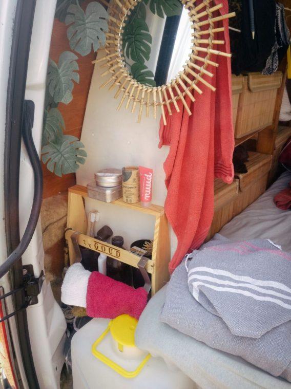 Mijn zero-waste badkamer op reis en in de camper.