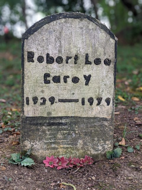 Gravestone of Robert Lee Carey