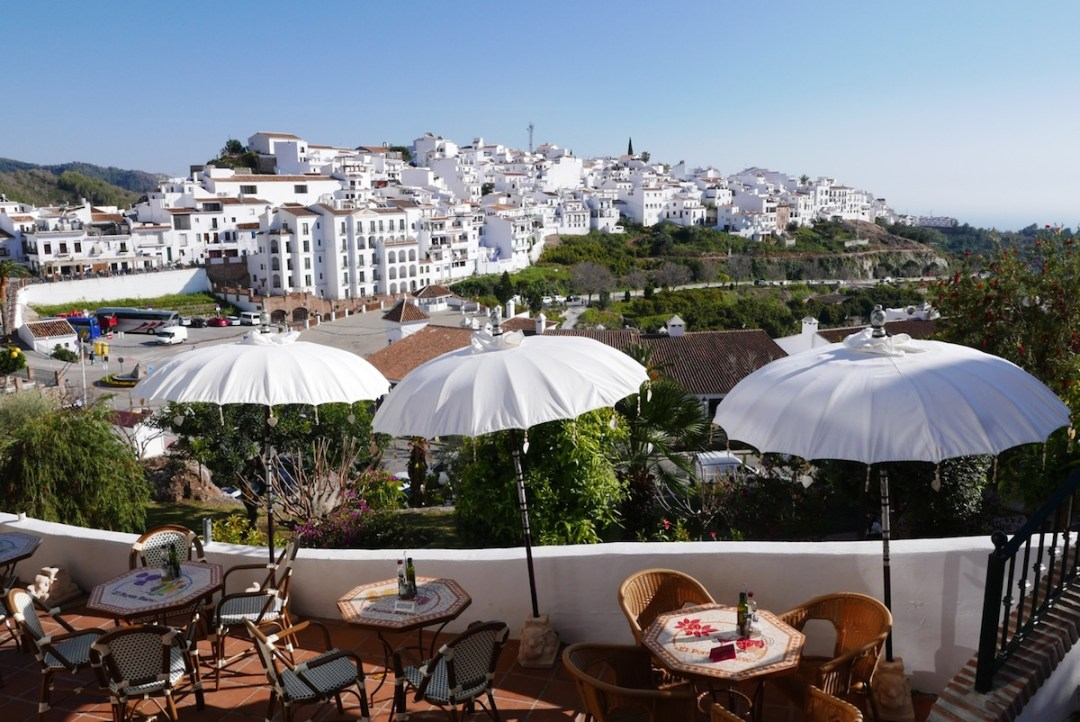 frigiliana-umbrellas-cafe-view