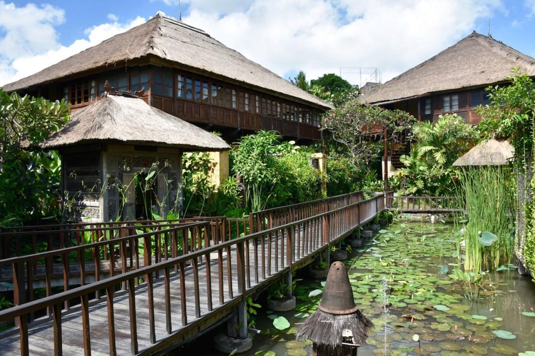 tugu-canggu-pond