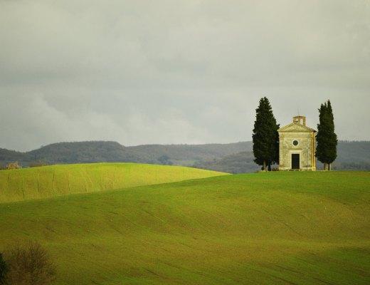 Tuscan-Church-Chapel-of-Vitaleta.-2