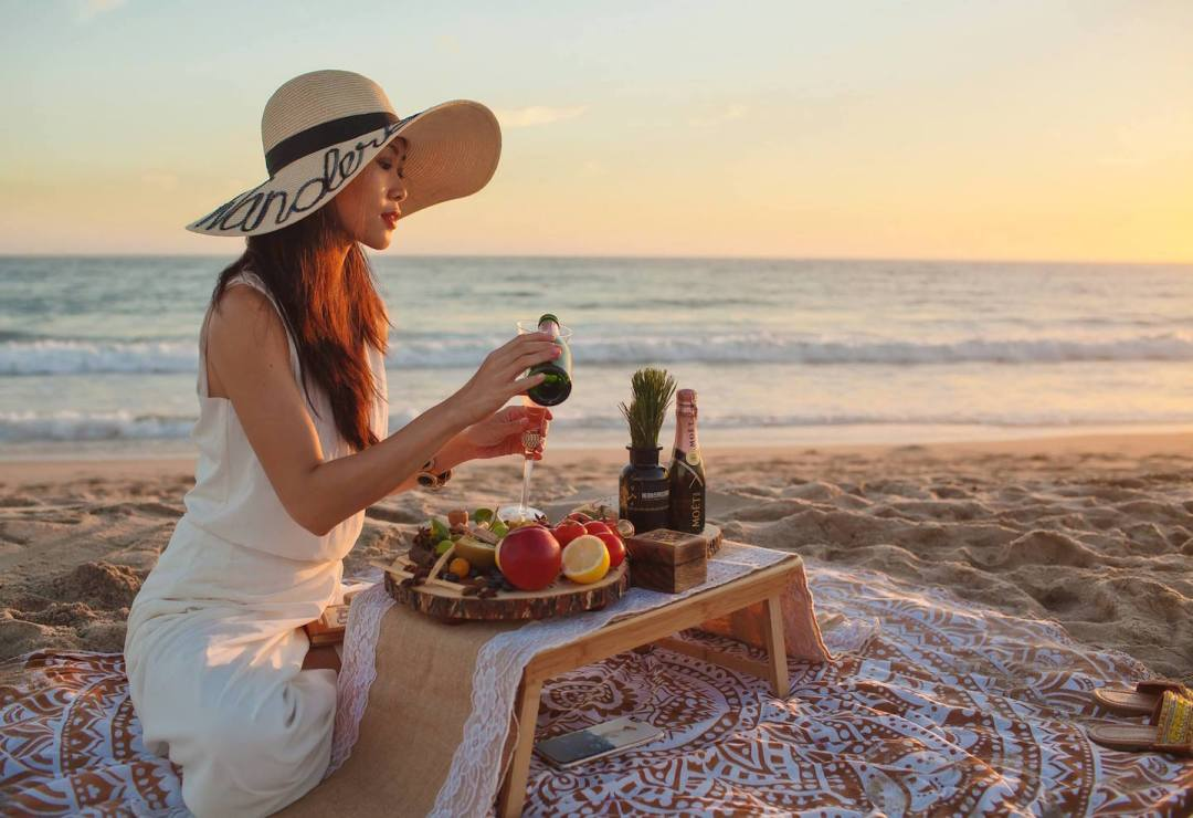 elegant-picnic-decor