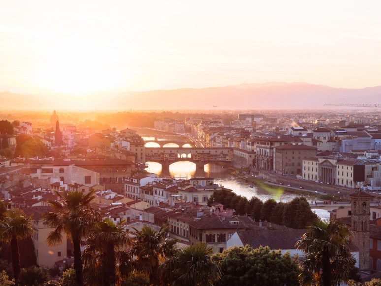 10 THINGS YOU MUST DO WITH YOUR GIRLFRIENDS IN FLORENCE