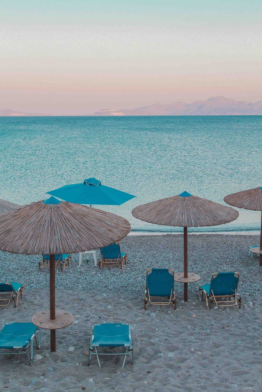 GREECE ON A BUDGET: BE-'KOS' WE CAN'T ALL AFFORD PICTURESQUE SANTORINI