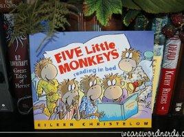 Five Little Monkeys Reading in Bed | wearewordnerds.com