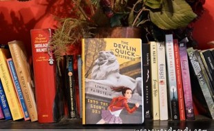 Into the Lion's Den (Devlin Quick Mysteries, The) by Linda Fairstein