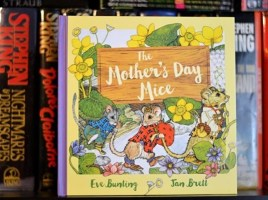 The Mother's Day Mice Gift Edition by Eve Bunting