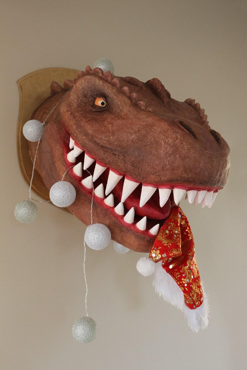 dinosaur trofey