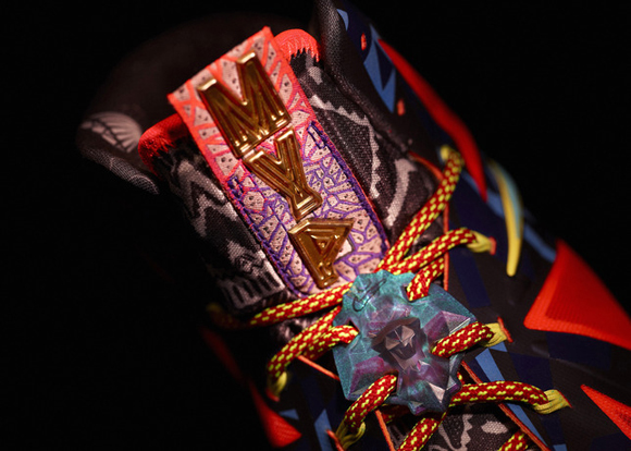 Nike-Marks-LeBron-James's-Most-Valuable-Player-Title-with-Nike-LeBron-X-Shoe-10