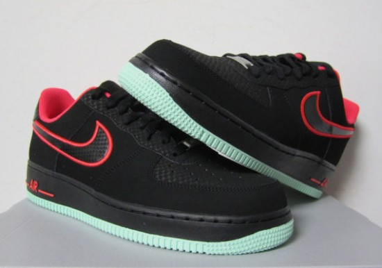 super popular b87e7 310c5 Nike Air Force 1 Low – Black – Laser Crimson – Arctic Green - WearTesters