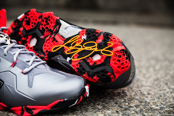 bd23d77aef5 Nike LeBron 11 Elite Team - Up Close   Personal - WearTesters