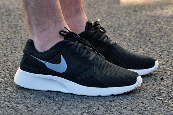 new product 58d81 306d0 Nike Kiashi - First Look 1 ...