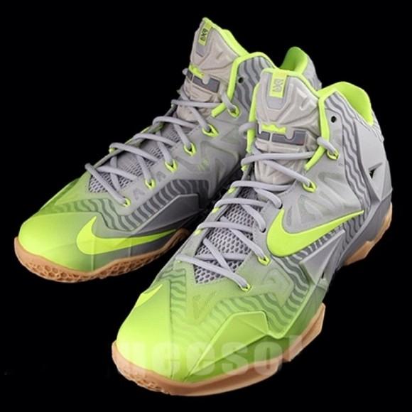 9c668b6b9d2b Nike LeBron 11