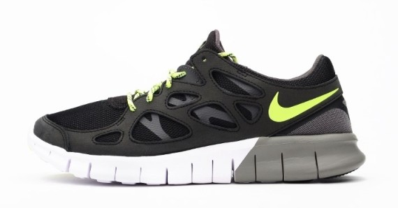new style b9f1f 83957 Nike Free Run 2 EXT Black Volt 1