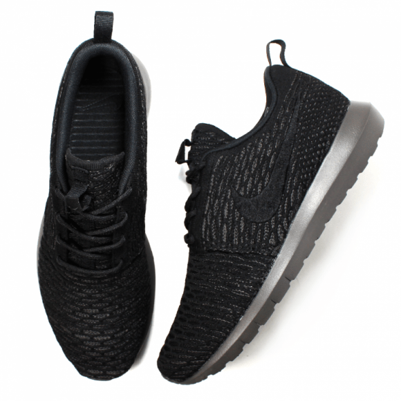 pretty nice b02ea 7d2a5 Nike Flyknit Roshe Run  Blackout
