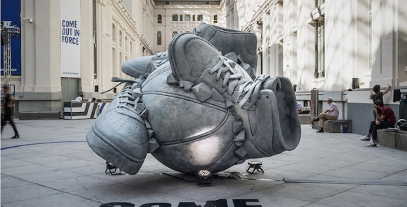 nike-sneakerball-sculpture-1-700x357