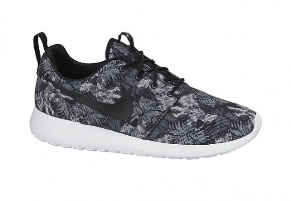 Nike Roshe Run  Aloha  - WearTesters 96c2fc43e8ad