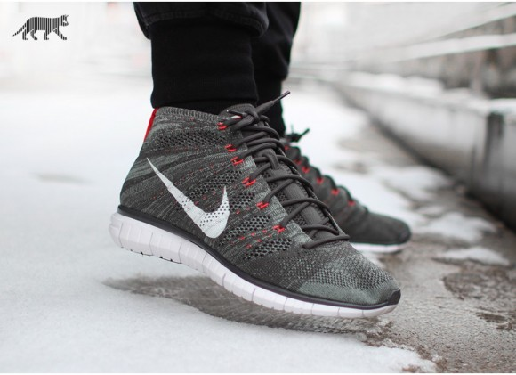 outlet store sale 7518b 1adeb Nike Free Flyknit Chukka Midnight Fog Mica Green Bright Cream – First Look 5